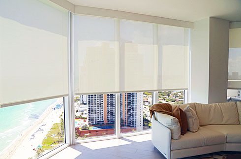 Roller Shades / Light Filtering